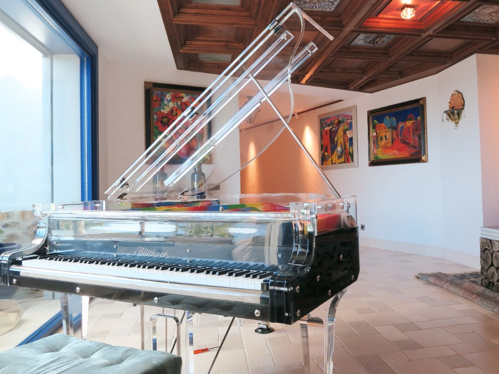 Lucid Elegance transparent piano_6