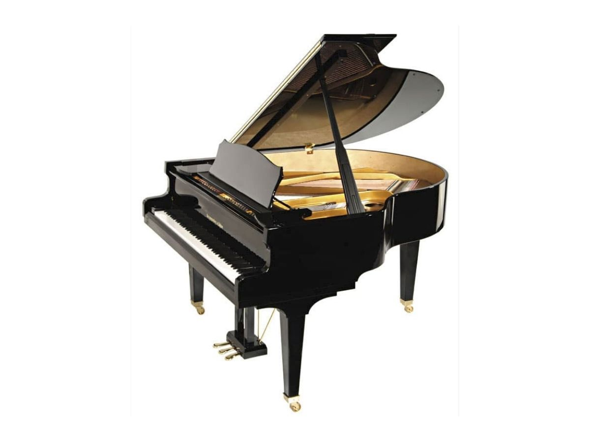Steingraeber & Söhne Model A-170 baby grand piano